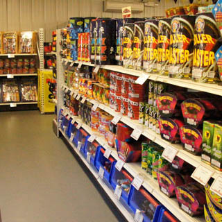 Tour Stateline Fireworks - New Hampshire Fireworks Factory Outlet